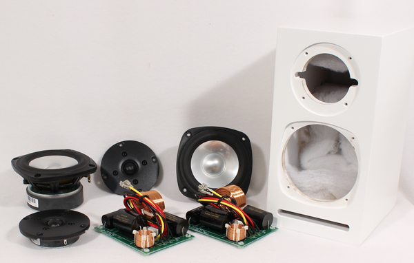 Photo of the speakers, crossovers and cabinet